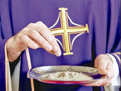 Czy w Środę Popielcową trzeba iść do kościoła? 6 spraw, które musisz wiedzieć